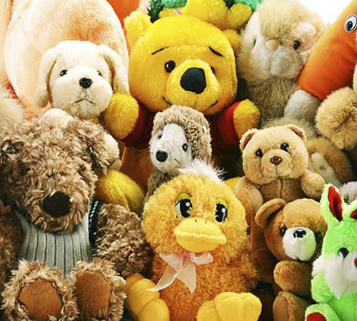Пушистые игрушки противопоказаны для маленьких детей